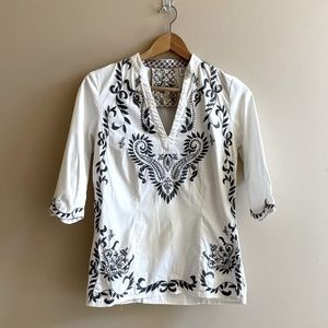 Robert Graham embroidered top SIZE XS